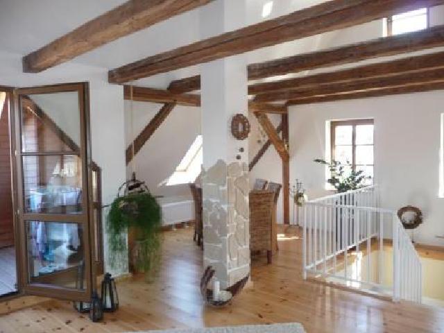 Decke aus rustikalen balken wohnung bilder
